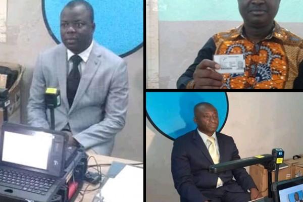 Des ivoiriens se soumettent au processus d'enrôlement au titre de la phase pilote de généralisation dans les 10 communes d'Abidjan.